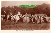 R419519 The Duke of Wellington Arrives. Fleetway Press