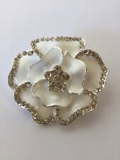 White Enamel  Silver Coloured Rhinestone Flower Brooch Fr10