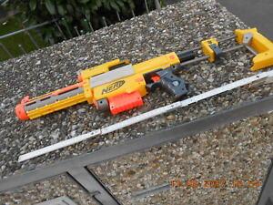 Nerf Gewehr mit Zielfernrohr
