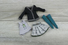 Blythe doll shirt clothes jacket black skirt dress socks green outfit