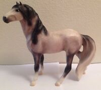 BREYER REEVES MODEL HORSE ANIMAL FIGURE COLLECTIBLE