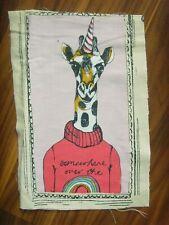 """45/"""" De Ancho £ 4.50 Oferta Especial 1 MTR Gris//Rosa jirafa imprimir 100/% tela de algodón."""