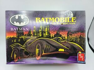1992 AMT/ERTL BATMAN RETURNS BATMOBILE 1:25 SCALE SEALED PLASTIC MODEL KIT