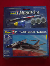 NORTHROP F-111 STEALTH FIGHTER AIRCRAFT MODEL REVELL 1:144 SCALE - UNUSED