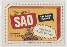 1979 Fleer Crazy Labels #4 SAD Trash Bags (Smell Sham-phew Back) Card 0a6