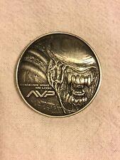 Aliens Versus Predator AVP Premium Steel Flip Coin OOP New Scarce 2004