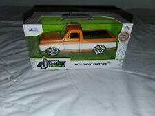 New Listing1972 Chevy Cheyenne Orange and White Just Trucks Diecast 1/32 1:32 Jada Toys New