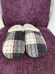 Homeys Ladies Slipper Size 3/4