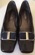 TARANTO WOMEN BLACK COURT SHOE w/ NAVY BUCKLE ALL LEATHER  SIZE 9.5 VGC