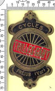 Plaque de vélo ancienne TRILLES GABY, Cycles Fréjus (Var). Laiton