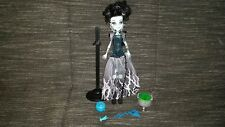 poupée monster high frankie stein ghouls