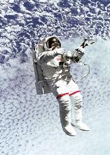 Spacewalk - 3D Action Lenticular Postcard Greeting Card - Space