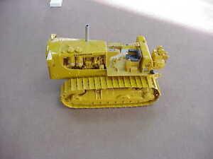 CATERPILLAR D9E Series E Tractor FIRST GEAR 1:25 Model #49-0148 NEW!
