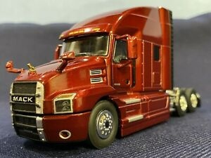 First Gear - Mack Anthem Sleeper Cab - Lacquer Red - 1:50 Scale