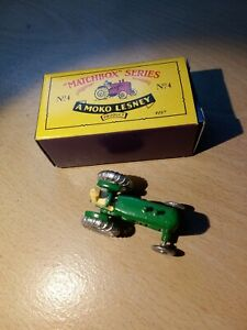 Matchbox Regular MB4 Tractor RE-ISSUE Green boxed