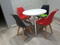 Dining table and 4 tulip chairs retro  Eiffel xx