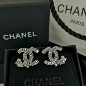 NIB CHANEL Classic Crystal CC Logo Stud Pierced Pearl Earrings
