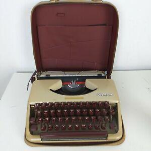 Olympia Werke AG Wilhelmshaven Manual Typewriter w Case ~ West Germany