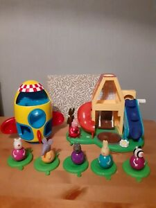 Peppa pig bundle - Weeble Wobble House And 6 Various Weebles