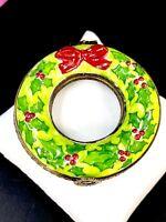 LIMOGES FRANCE HOLIDAY CHRISTMAS WREATH ENAMEL PORCELAIN KEEPSAKE TRINKET BOX