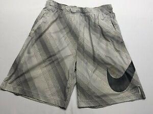 Nike Dri Fit Basketball Shorts Size Large pockets and drawstrings white