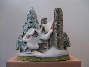 "David Winter Cottages ""Snow Cottage"" Mint in original box."