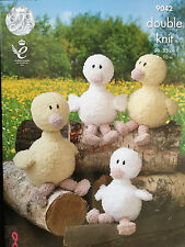 KING COLE DOUBLE KNIT MOTHER DUCK & DUCKLINGS PATTERN 9042, MAKES 2 SIZES