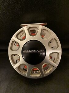 Excellent Condition ROSS Momentum 7 Salmon Fly Reel Made in USA