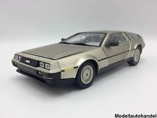 DeLorean DMC 12 1981 - silber   - 1:18 Sunstar 2701