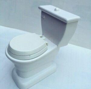 Toilet / Lavatory, Dolls House Miniature, Bathroom Furniture