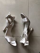 Womens The Essence Menbur White Satin Heels pumps With Bow Size 38