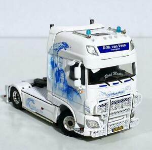 "DAF XF super space cab 4x2 ""DM van Veen"" WSI truck models 01-3307"