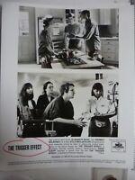 "Vintage Glossy Press Photo Elisabeth Shue Dermot Mulroney ""Trigger Effect"" 1996"