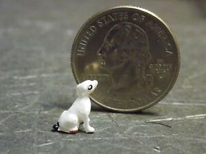 Dollhouse Miniature Sitting Dog Animals Y12 1:48 Quarter Scale Dollys Gallery