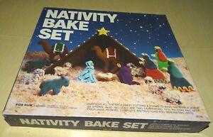 Fox Run Nativity Bake Set Cookie 9 Cutters Decorating Set USA #4536