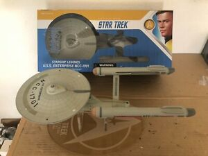 Star Trek USS ENTERPRISE NCC-1701  Art Asylum Diamond Select