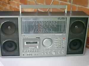 Silver ST888 Stereo Space Master II,11 Band  Radio Receiver  Ghetto Blaster-RARE