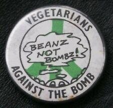 Campaign VEGETARIANS AGAINST THE BOMB BEANZ NOT BOMBZ! CND Vintage Pin Badge