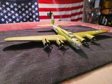 """Corgi AA33302 Boeing B-17 Flying Fortress """"Sweet And Lovely"""" 1:72 - Mint"""