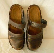 Naot Brown/Bronze Slip-On Closed-Toe Shoes Sz 36 US Sz 5.5