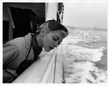 JANET LEIGH Paquebot Mer Bateau Curtis Psycho Hitchcock Candid Photo 1950s