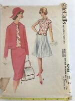1960's VINTAGE SEWING PATTERN McCALL'S  5728 Misses Size 16 Bust 36 Suit UNUSED
