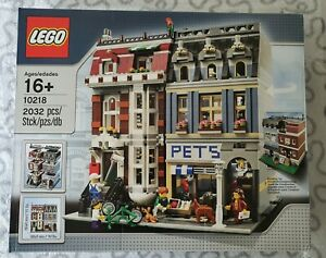 Lego Creator Expert Pet Shop (10218) - Retired Set Brand New Sealed