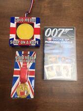 3 mazos de James Bond 007 jugando a las cartas, medalla de oro Abridor de botellas, jabón en cuerda