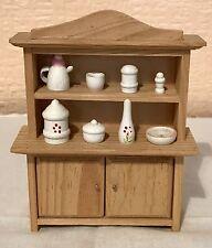 Vintage Artesanal Casa de Muñecas 1/12th galés cómoda, no desmontable para accesorios, en muy buena condición