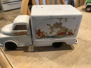 1950's Marx Howard Johnson Ice Cream Truck