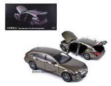 Coches, camiones y furgonetas de automodelismo y aeromodelismo grises, Mercedes de escala 1:18