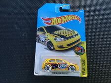 HOT WHEELS 2017 HW ART CARS  ( VOLKSWAGEN GOLF MK7  )