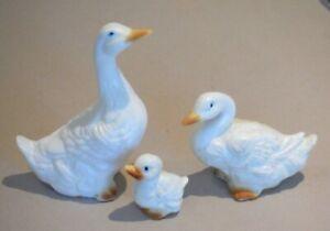 Vintage Porcelain Miniature Goose Family Geese P1642