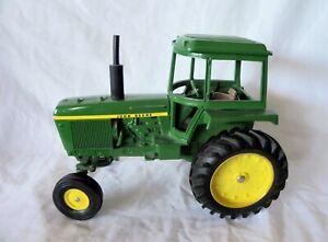 ERTL Vintage JOHN DEERE Diecast Utility Tractor 1:16 Scale